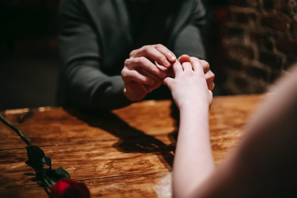 Mách bạn 10 điều lãng mạn có thể khiến phụ nữ cảm động nhất-1