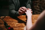 Mách bạn 10 điều lãng mạn có thể khiến phụ nữ cảm động nhất