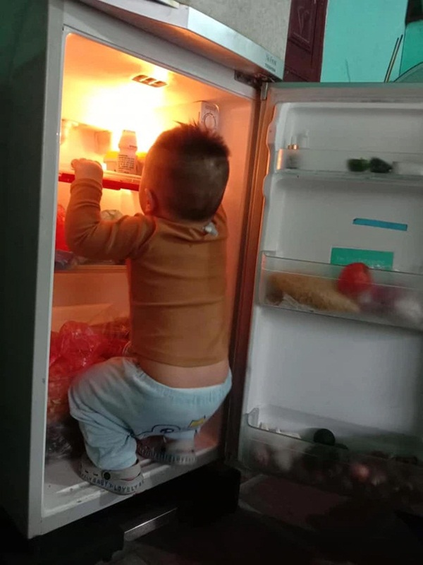 Mẹ trẻ lên mạng cầu cứu vì con tối ngày mở tủ lạnh, ngờ đâu nhiều nhà còn chịu cảnh khủng khiếp hơn mà chỉ biết bó tay bất lực-1