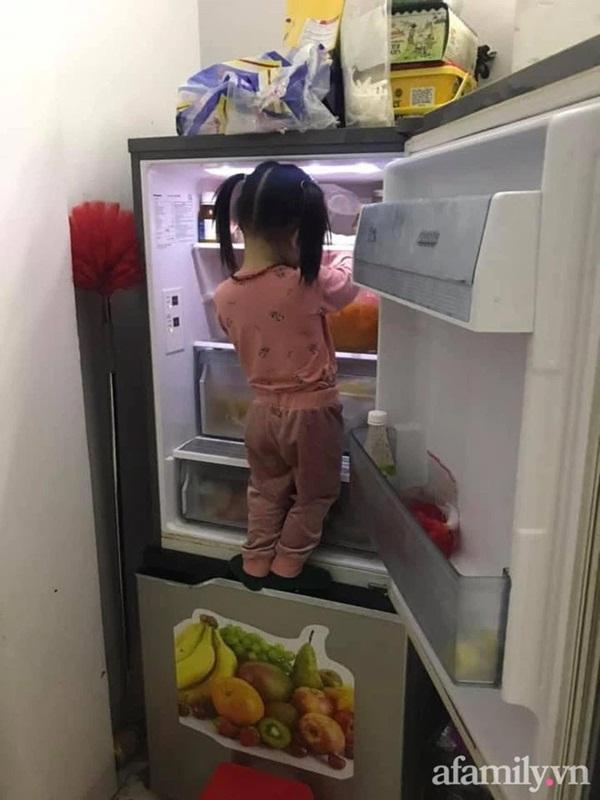 Mẹ trẻ lên mạng cầu cứu vì con tối ngày mở tủ lạnh, ngờ đâu nhiều nhà còn chịu cảnh khủng khiếp hơn mà chỉ biết bó tay bất lực-6