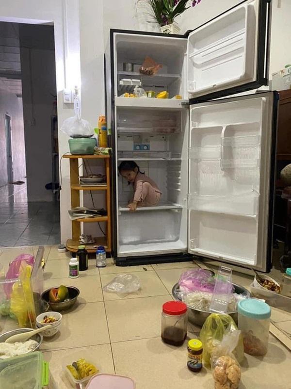 Mẹ trẻ lên mạng cầu cứu vì con tối ngày mở tủ lạnh, ngờ đâu nhiều nhà còn chịu cảnh khủng khiếp hơn mà chỉ biết bó tay bất lực-7