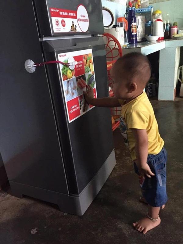 Mẹ trẻ lên mạng cầu cứu vì con tối ngày mở tủ lạnh, ngờ đâu nhiều nhà còn chịu cảnh khủng khiếp hơn mà chỉ biết bó tay bất lực-9