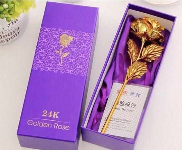 Xuất hiện hoa hồng mạ vàng giá chỉ 10.000 đồng/bông-2
