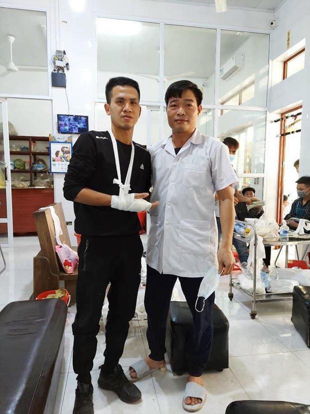Người hùng Nguyễn Ngọc Mạnh bị rạn xương ngón tay, chưa bắt đầu công việc bình thường-1