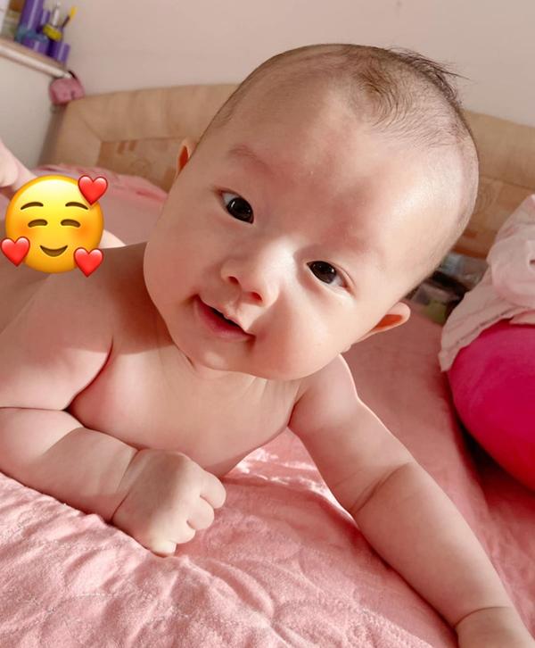 Tiết lộ tên thật của cặp sinh đôi nhà Hồ Ngọc Hà, Đặng Thu Thảo và loạt em bé nhà sao Việt mới chào đời-9