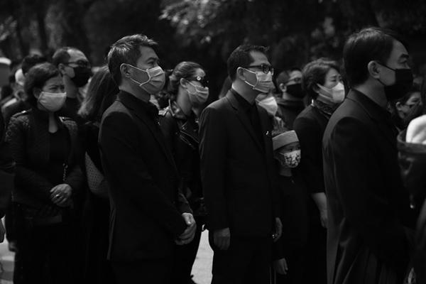 Tang lễ NSND Trần Hạnh và những khoảnh khắc khiến công chúng nghẹn lời-9