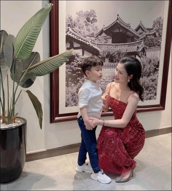 Văn minh sau ly hôn như Việt Anh và vợ cũ: Vẫn đứng chung một khung hình, cùng tổ chức mừng sinh nhậtcon trai-2