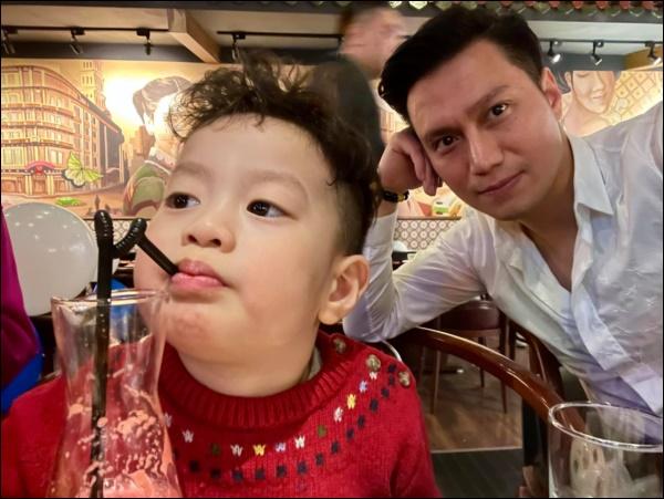 Văn minh sau ly hôn như Việt Anh và vợ cũ: Vẫn đứng chung một khung hình, cùng tổ chức mừng sinh nhậtcon trai-4
