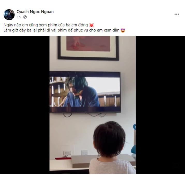 Quách Ngọc Ngoan khoe hình ảnh con gái chăm chú xem phim của ba-1