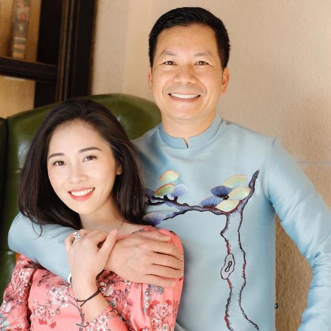 Bà xã Shark Hưng xinh đẹp mơ màng bên hoa lê đón ngày 8/3, nhưng câu chốt của vị tổng tài U50 mới khiến dân tình phát sốt-4