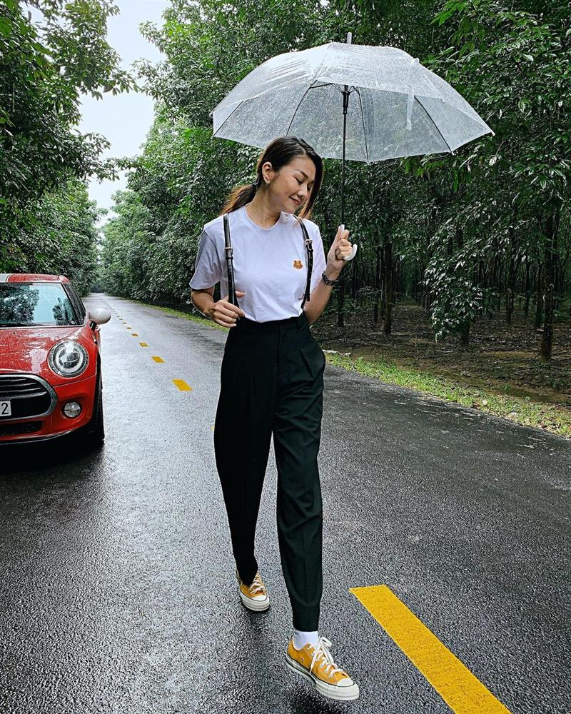 11 set đồ từ Thanh Hằng mà bạn có thể copy ngay để diện đi làm hay đi chơi cũng đẹp-9