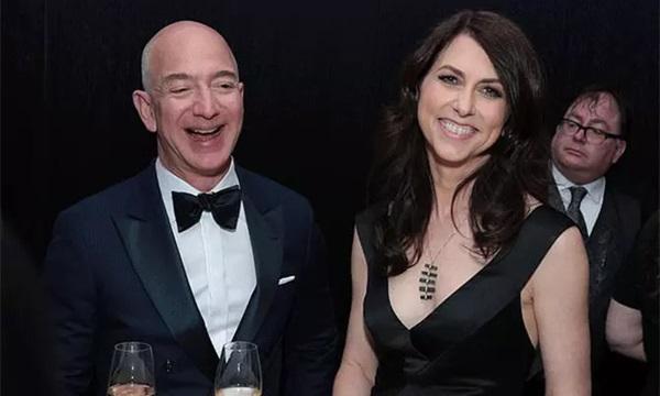Vợ cũ tỷ phú Amazon bất ngờ tuyên bố tái hôn với nửa kia đặc biệt, động thái ngay sau đó của ông Jeff Bezos gây chú ý-3