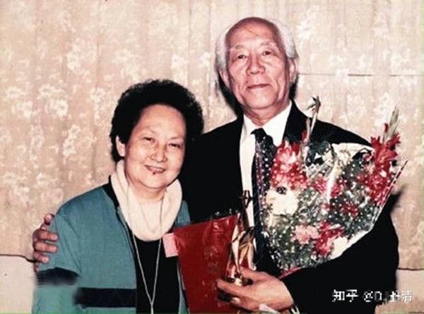 Từng là cha con người đàn ông 59 kết hôn với con gái sau 37 năm xa cách, đến khi qua đời, vợ phải đối mặt với một sự kiện chấn động!-7