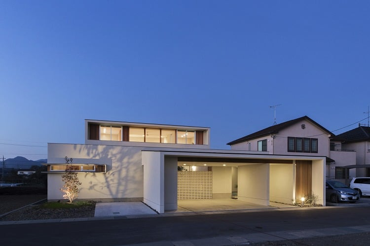 Nhà 2 tầng đẹp hoàn hảo từ trong ra ngoài, mặt tiền rộng, thiết kế ấn tượng, lại thêm sân vườn nhìn là mê-4