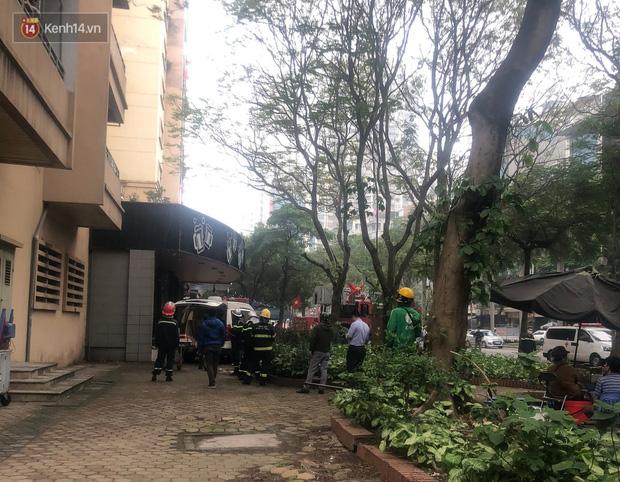Hà Nội: Nữ sinh lớp 10 rơi từ tầng cao chung cư xuống mái tôn tử vong-3