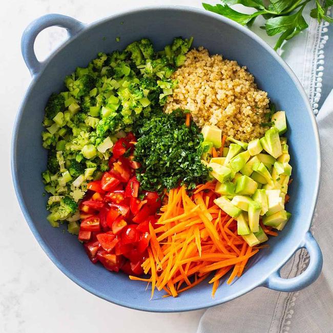 Salad 7 sắc cầu vồng giúp chị em vừa no bụng, vừa sướng mắt: Không muốn tăng cân thì bữa tối cứ chén ngay 1 bát này!-7