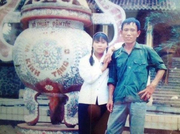 Chuyện lạ ở Hà Nội: Cụ ông U80 dùng cân đếm tiền, có 11 vợ, người trẻ nhất mới hơn 20 tuổi-4