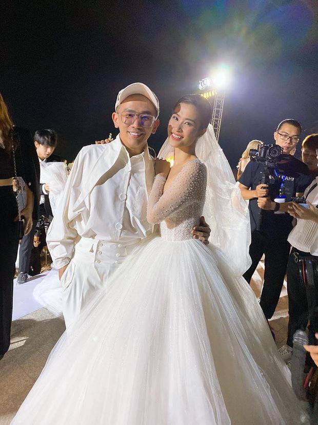 Phù thuỷ trang điểm cho Hoa hậu Đặng Thu Thảo và Nhã Phương, đột ngột qua đời, Mai Phương Thúy cùng dàn sao Việt bàng hoàng-11