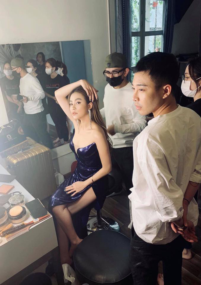 Phù thuỷ trang điểm cho Hoa hậu Đặng Thu Thảo và Nhã Phương, đột ngột qua đời, Mai Phương Thúy cùng dàn sao Việt bàng hoàng-15