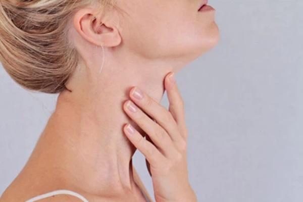 5 dấu hiệu cho thấy ung thư tuyến giáp đang lớn dần trong cơ thể-2