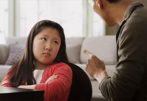 """Khi trẻ tò mò về độ giàu – nghèo"""" của gia đình, cha mẹ nên phản ứng thế nào và 2 điều  cần tránh-2"""