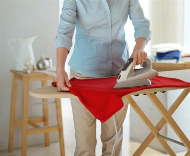Mẹo giặt và phơi quần áo nhanh khô khi trời nồm-4