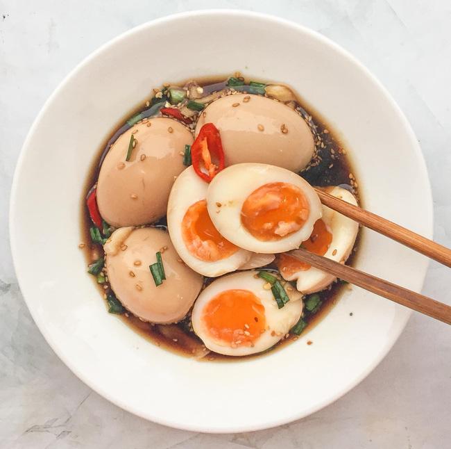 Loại bỏ nhàm chán mùa Covid và góp phần giải cứu nông sản quê hương cùng món trứng ngâm tương siêu ngon lại đưa cơm-8