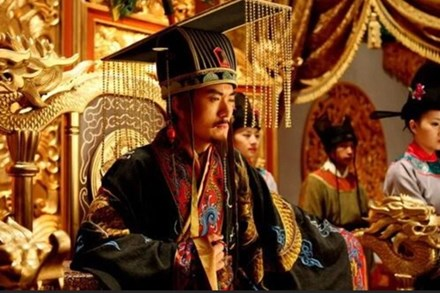 Suốt lịch sử hàng nghìn năm, Hoàng đế Trung Hoa hầu như không chết vì bệnh ung thư, nguyên nhân đơn giản nhưng không phải ai cũng biết