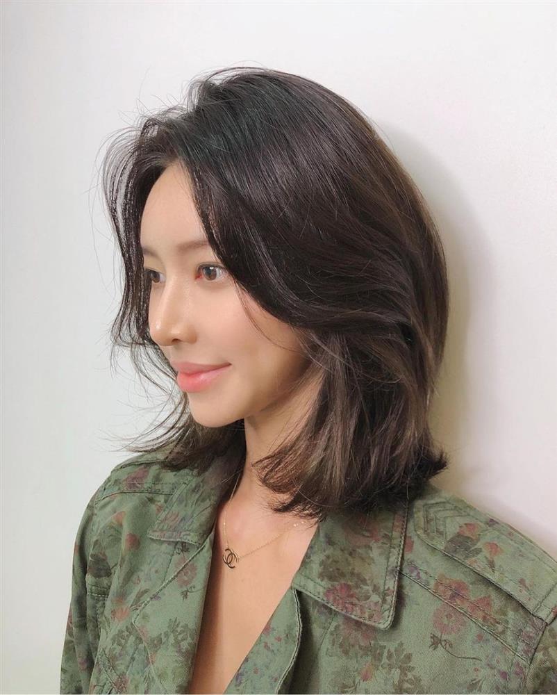5 kiểu tóc siêu nhẹ đầu và còn nhân đôi vẻ sành điệu, hoàn hảo để chị em cắt cho mùa Xuân/Hè-12