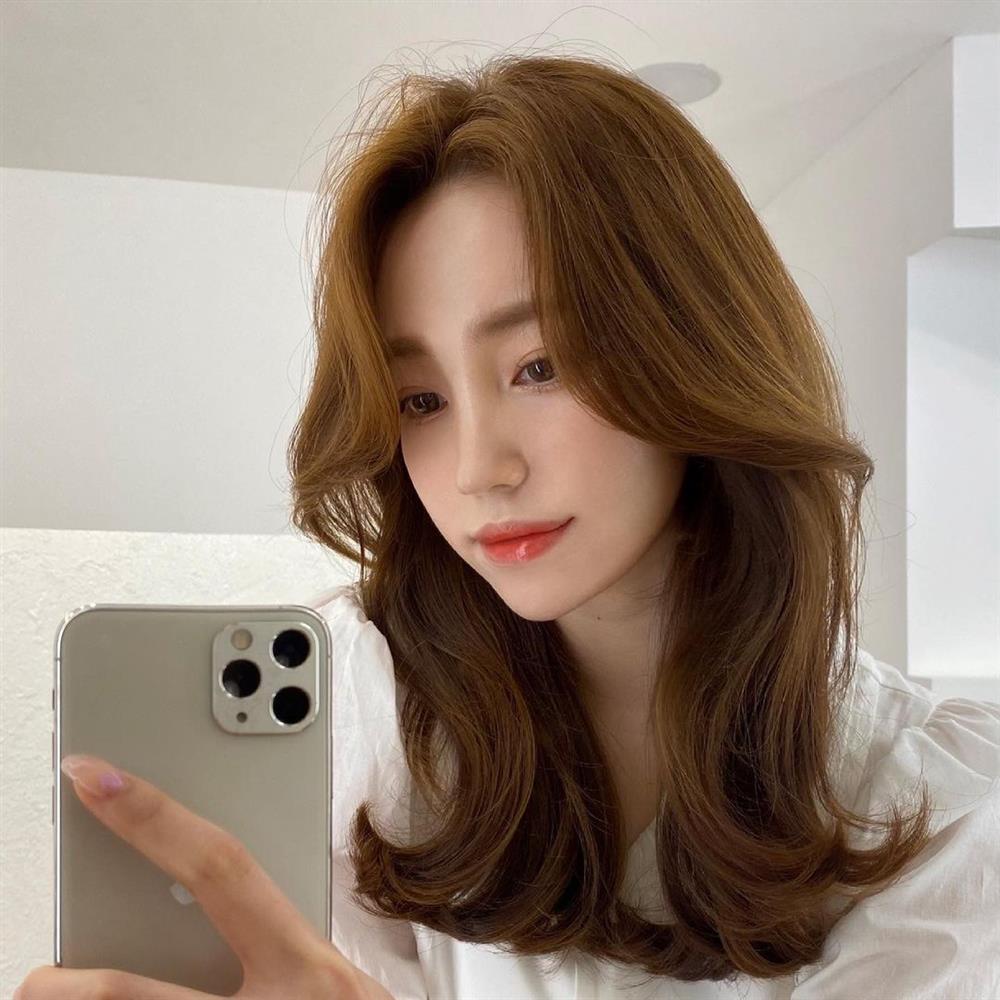 5 kiểu tóc siêu nhẹ đầu và còn nhân đôi vẻ sành điệu, hoàn hảo để chị em cắt cho mùa Xuân/Hè-5