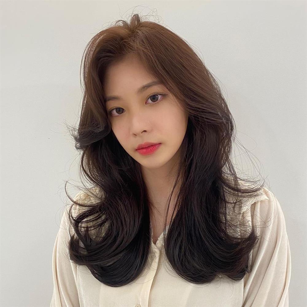 5 kiểu tóc siêu nhẹ đầu và còn nhân đôi vẻ sành điệu, hoàn hảo để chị em cắt cho mùa Xuân/Hè-6
