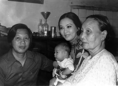 Đám tang nữ hoàng cải lương Thanh Nga: Người dân đi xe đò ùn ùn kéo lên, ngủ la liệt chờ viếng-4