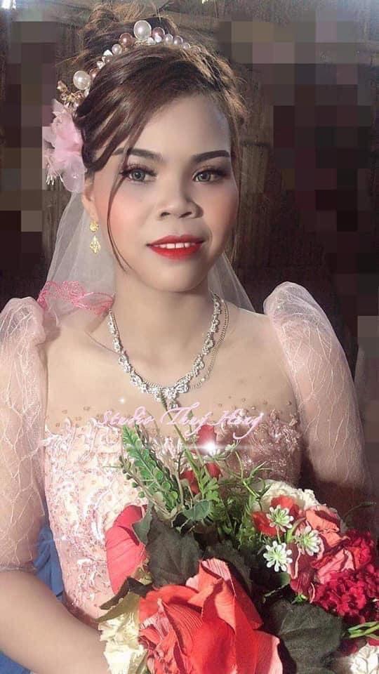 Ngày hot girl quận Cam Thúy Diễm lên xe hoa, trong dàn phù dâu xuất hiện người chị em thân thiết gây bão trên livestream năm nào, nhưng giờ vẫn chưa có người yêu?-2