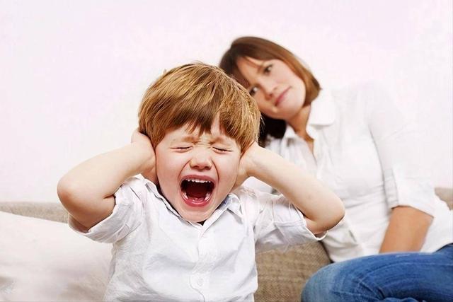 2 đứa trẻ mắc cùng 1 lỗi, hành động của 2 bà mẹ cho kết quả quá khác biệt: Thái độ của cha mẹ khi trẻ mắc lỗi sẽ quyết định tương lai của chúng-4