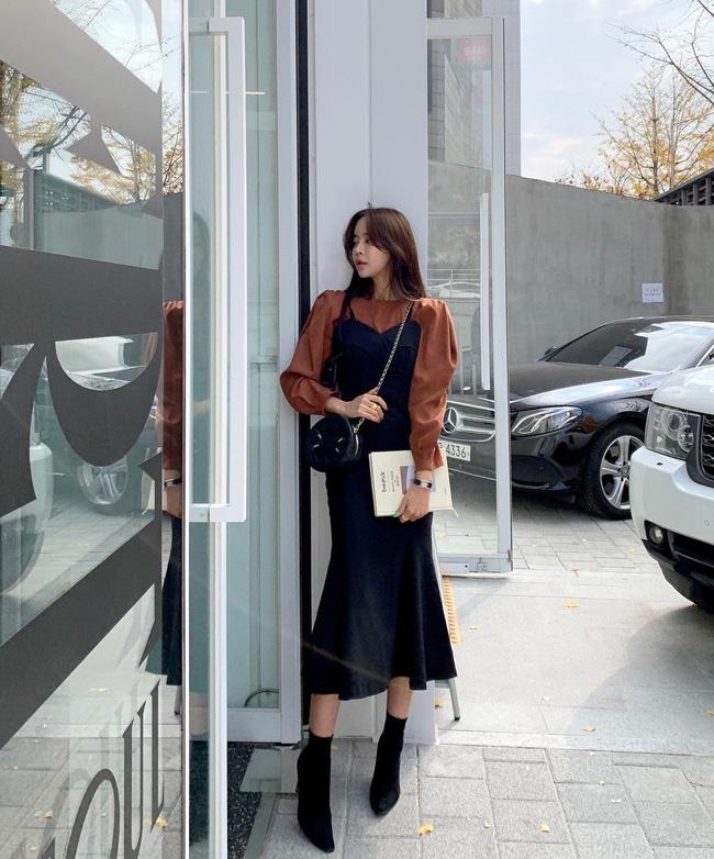 12 cách mặc váy hai dây + áo dài tay hợp mùa Xuân, chị em áp dụng đảm bảo trẻ đẹp mọi lúc mọi nơi-10