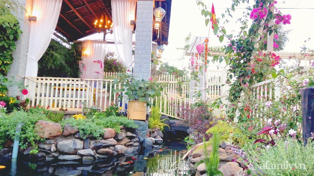 Bận rộn chăm sóc 3 con, bà mẹ đảm vẫn một tay thiết kế khu vườn đầy hoa đẹp như mơ ở Đắk Nông-8
