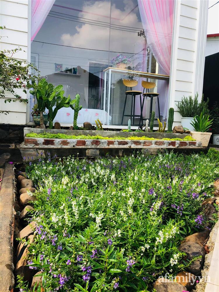 Bận rộn chăm sóc 3 con, bà mẹ đảm vẫn một tay thiết kế khu vườn đầy hoa đẹp như mơ ở Đắk Nông-12