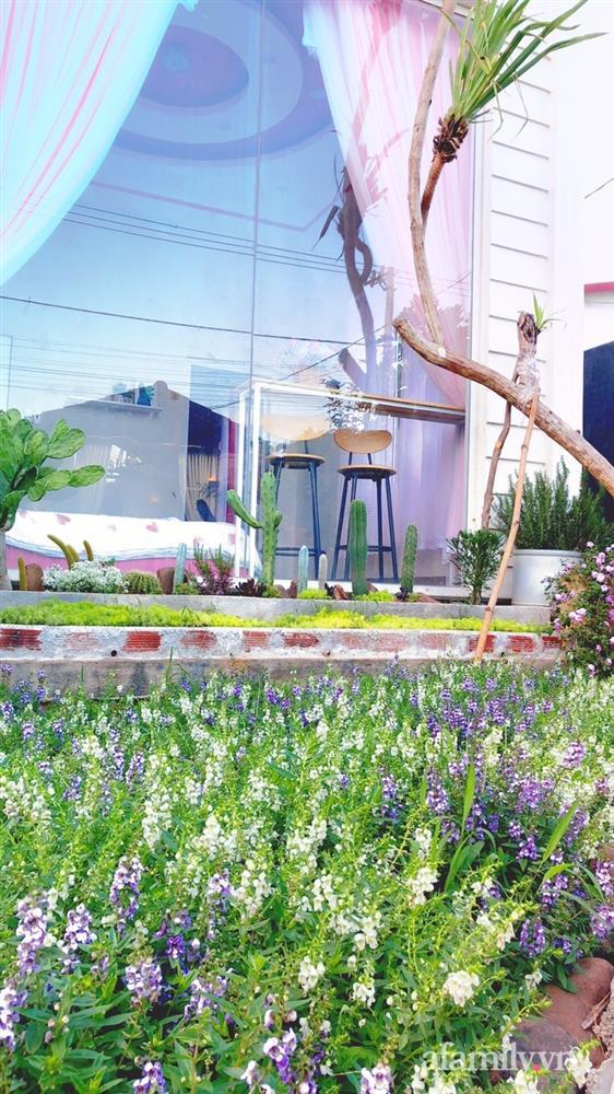 Bận rộn chăm sóc 3 con, bà mẹ đảm vẫn một tay thiết kế khu vườn đầy hoa đẹp như mơ ở Đắk Nông-14