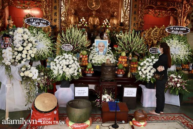 Lễ tưởng niệm và cầu siêu chuyên gia trang điểm Phan Minh Lộc: Mẹ Minh Lộc tiết lộ nguyên nhân khiến anh đột ngột ra đi-1