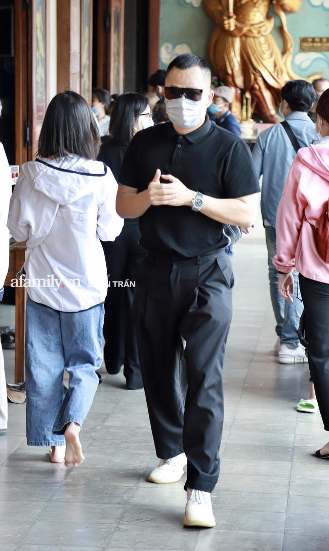 Lễ tưởng niệm và cầu siêu chuyên gia trang điểm Phan Minh Lộc: Mẹ Minh Lộc tiết lộ nguyên nhân khiến anh đột ngột ra đi-9