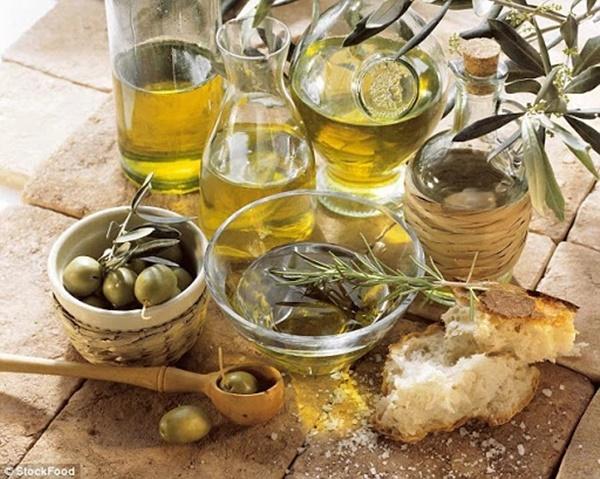 Những sai lầm chết người khi dùng dầu ăn mà hầu hết người Việt đều phạm phải, vô tình biến món ăn thành chất độc-4