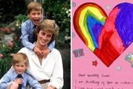 Vợ chồng Hoàng tử William đăng 3 tấm thiệp đặc biệt do các con làm tặng Công nương Diana chứa ẩn ý sâu xa, ám chỉ cả em trai Harry
