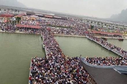 Đại diện BQL chùa Tam Chúc lên tiếng về hình ảnh biển người hỗn loạn, chen chân ngày cuối tuần