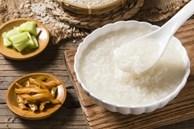 6 loại thực phẩm khiến bệnh dạ dày trở nên tệ hơn, nhiều người không biết vẫn coi như 'bảo bối' tích trữ trong nhà
