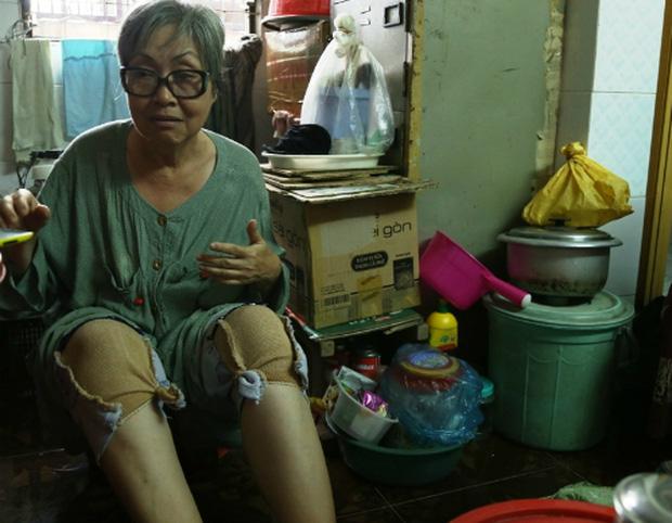 Xót xa hoàn cảnh NS cải lương Trang Thanh Xuân 71 tuổi: Sống trong phòng trọ vỏn vẹn 6m2, bệnh tật vẫn đi bán vé số-5