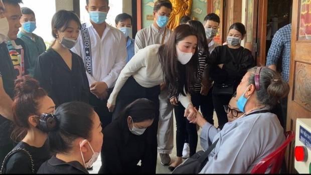 Xót xa cuộc sống phù thuỷ make up Minh Lộc trước khi qua đời: Ở nhà thuê với mẹ, không mua nhà vì lời hứa của Lý Nhã Kỳ-4