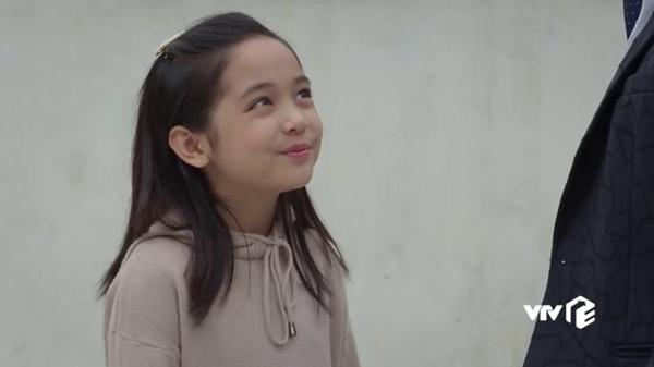 Con gái của Việt Anh trong Hướng dương ngược nắng khiến khán giả phát sốt với vẻ ngoài xinh xắn và diễn xuất thiên phú-3