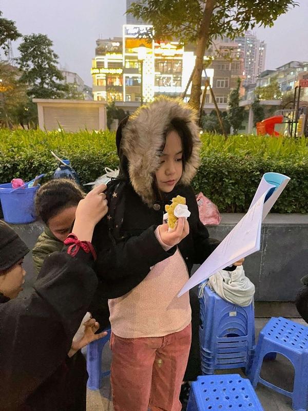 Con gái của Việt Anh trong Hướng dương ngược nắng khiến khán giả phát sốt với vẻ ngoài xinh xắn và diễn xuất thiên phú-8