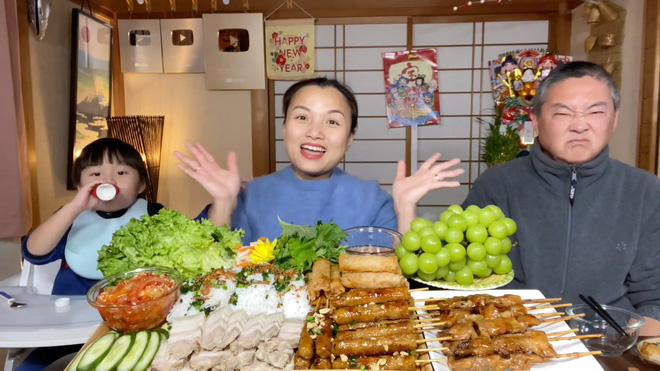 Quỳnh Trần JP, Bà Tân Vlog, Ẩm Thực Mẹ Làm - Bộ 3 bà mẹ YouTuber đình đám Việt Nam, ai có thu nhập khủng nhất?-8