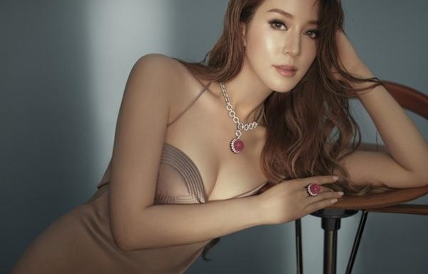Cô dâu nghìn tỷ Từ Tử Kỳ đã U40, qua 4 lần sinh nở mà thân hình vẫn quyến rũ, trẻ trung: Cách giảm cân đến từ loại thịt mà Việt Nam có rất nhiều-2